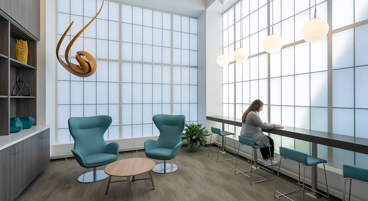 Elliot Hospital, Solinsky Center for Cancer Care at The Elliot | Manchester, NH; Photographer David Pires; interior photograph of a healing meditition reoom