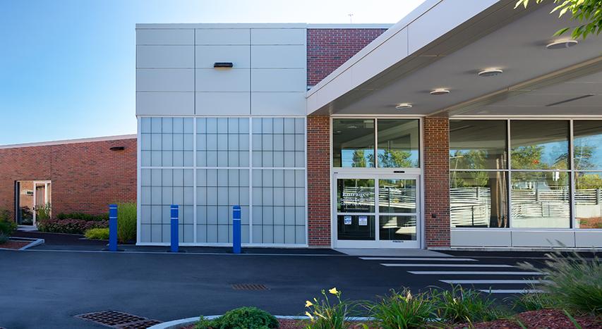 exterior view of Solinsky Cancer Center